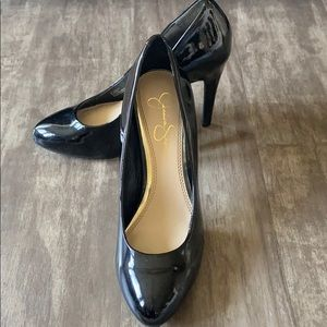 Jessica Simpson black pumps. Heel about 4 inches